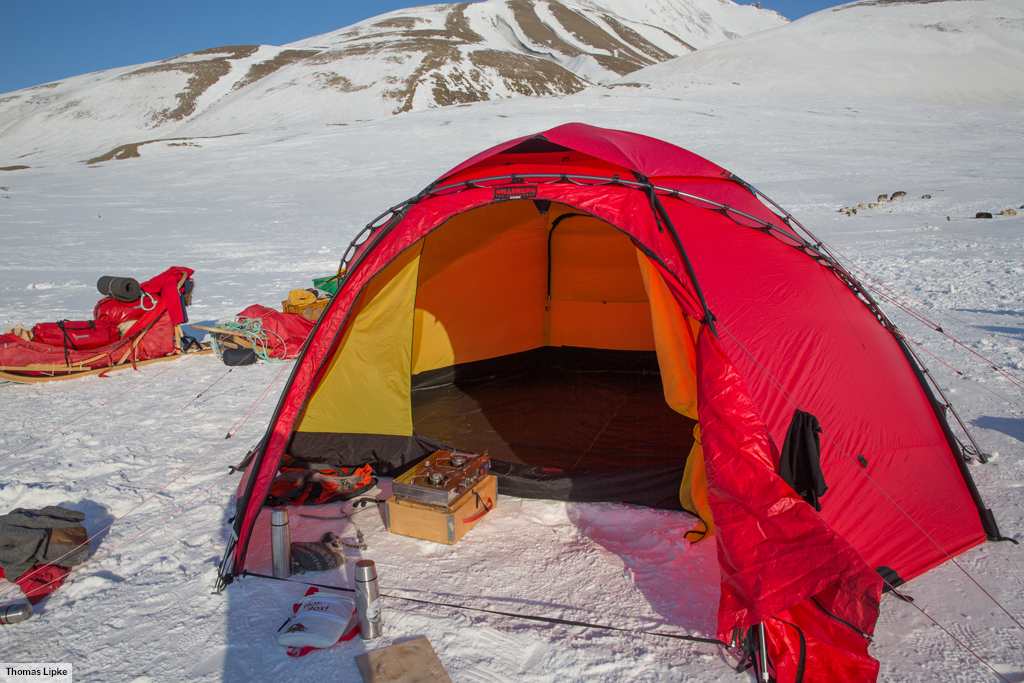 ... An Atlas with an inner tent 6 has a large integrated vestibule for gear. & Atlas u2022 Group tent u2022 Hilleberg