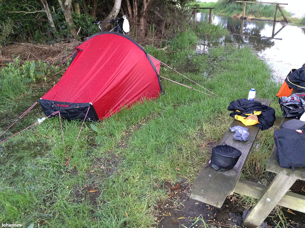 Hello Hilleberg I woke up this morning in a surprise; a bit of flooding. But thanks to the wonderful quality of the tent nothing happened and all my things ... & Testimonials from Hilleberg campers