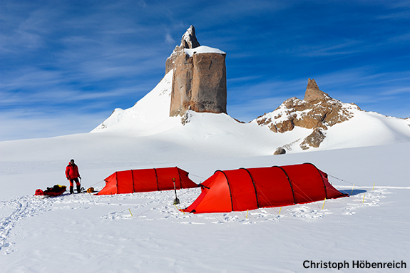 Two red Keron GTs in Queen Maud Land, Antarctica. Photo: Christoph Höbenreich.